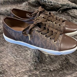 NWOB Michael Kors sneakers size 8.5